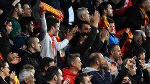 La afición montenegrina coreó consignas racistas contra Danny Rose