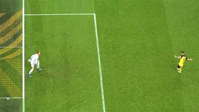 ¿Debió haberse repetido el penalti parado por Ter Stegen?
