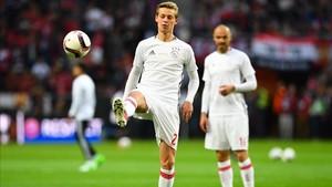 De Jong, antes de un partido con el Ajax