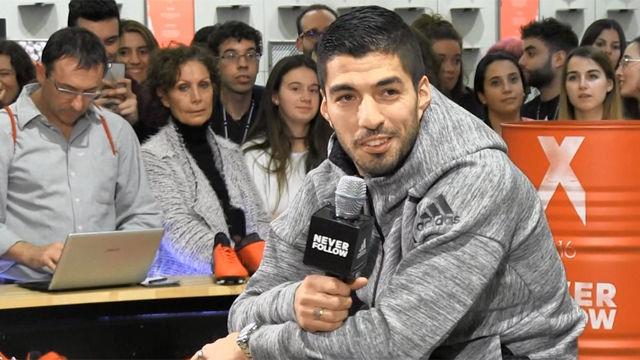 Luis Suárez, feliz con su renovación