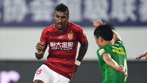 Paulinho ha redebutado con goleada con el Guangzhou