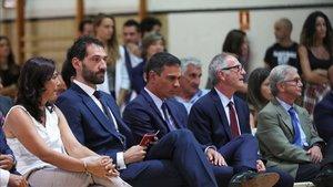 La presidenta del Consejo Superior de Deportes, María José Rienda y el ministro de Cultura y Deporte en funciones, José Guirao, junto a Jorge Garbajosa y Pedro Sánchez