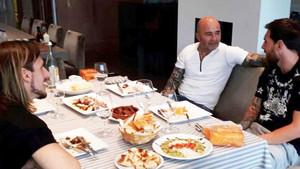 Sampaoli, en una reunión con Leo