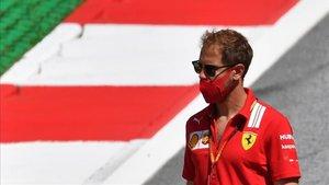 Sebastian Vettel , muy incómodo en Ferrari