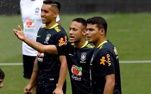 Thiago Silva y Neymar mantienen una excelente relación