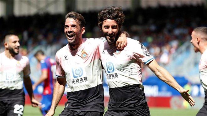 El Espanyol estrena victoria en Eibar con una remontada exprés