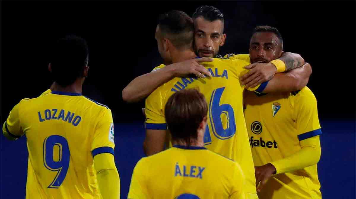 El Cádiz, lider tras ganar al Eibar: el resumen del partido