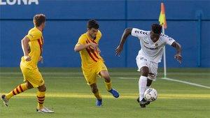 ¡Coutinho pone el tercero desde el punto de penalti! (ES)