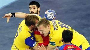 España, pese al lío de la imagen, acabó superando a Suecia con meridiana claridad