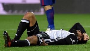 Garay se lesionó en el minuto 68