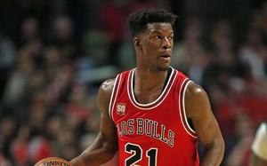 Jimmy Butler se queda en los Bulls