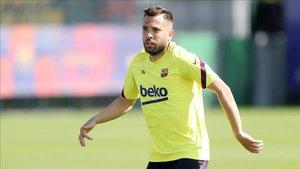 Jordi Alba en el entrenamiento con el Barça