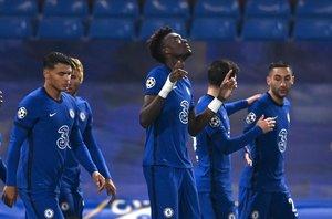 El liderato de la Premier League podría cambiar si el Chelsea logra vencer al Tottenham