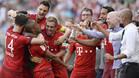 Los jugadores del Bayern celebran el gol de Lewandowski