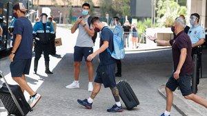 Messi, a la salida del Barça de su hotel en Lisboa