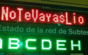 En el metro se pide que Leo Messi siga con Argentina