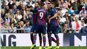 Morales celebra el gol a los cinco minutos del encuentro