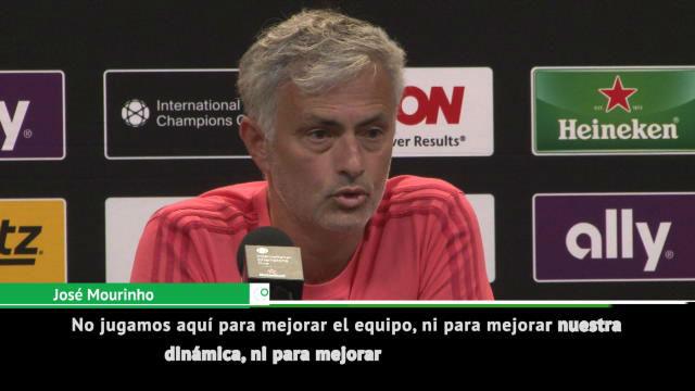 Mourinho pide a sus jugadores internacionales que acorten sus vacaciones: Intentamos sobrevivir