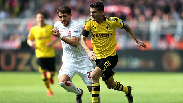 Pulisic marca con el Dortmund en su último partido