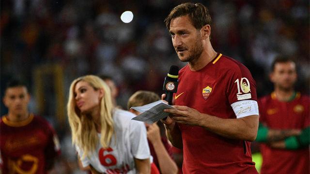 Totti dijo adiós a la afición de la Roma con un emotivo discurso