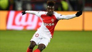 Adama Traoré jugará una temporada en el Metz