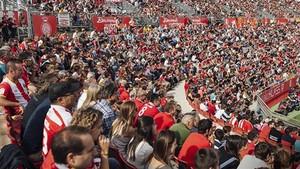 Aficionados del Girona en el estadio de Montilivi
