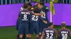 Alves y Neymar no celebraron el gol de Cavani