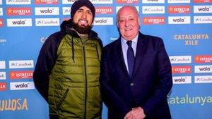 Arturo Vidal fue a ver el Catalunya-Chile femenino