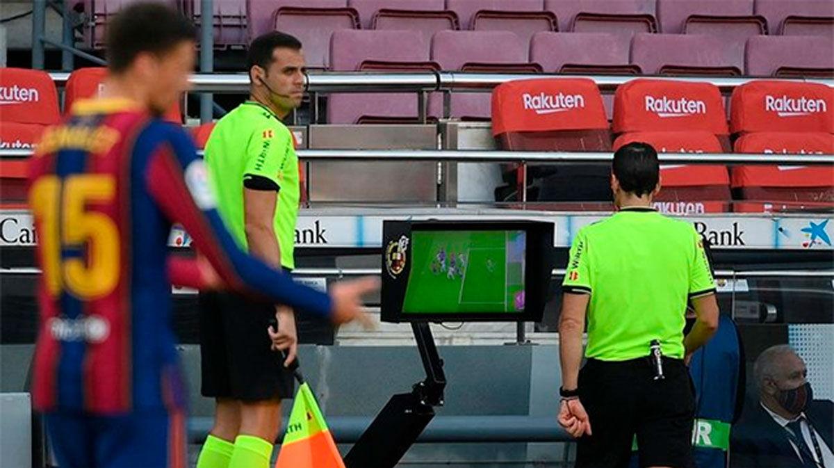 El Barça avisa a la RFEF sobre el uso del VAR