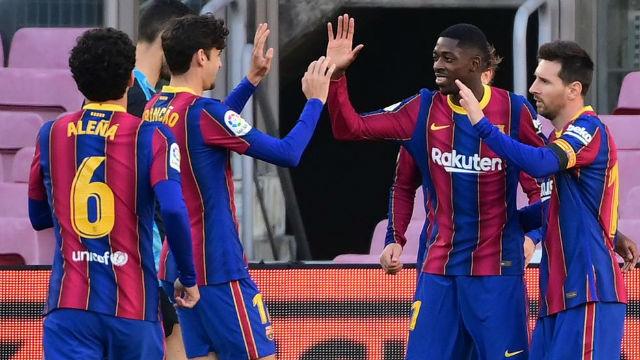 El Barça se impone cómodamente a un inoperante Osasuna