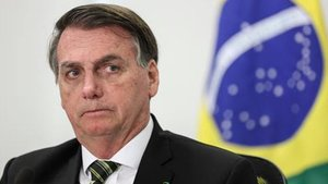 Bolsonaro afirma que llevar mascarilla es de gays