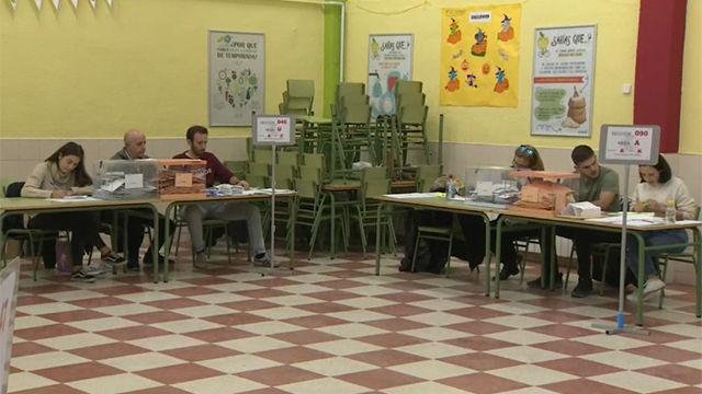 Cierran los colegios electorales en una jornada sin incidentes