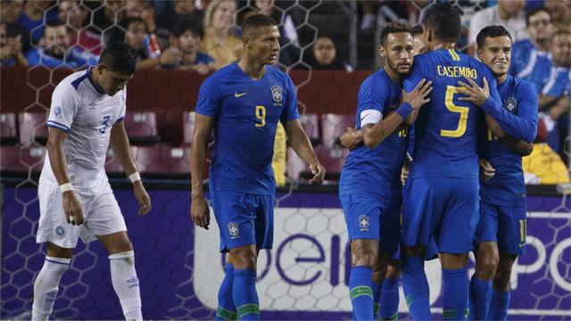 Coutinho y Neymar lideran la goleada de Brasil sobre El Salvador