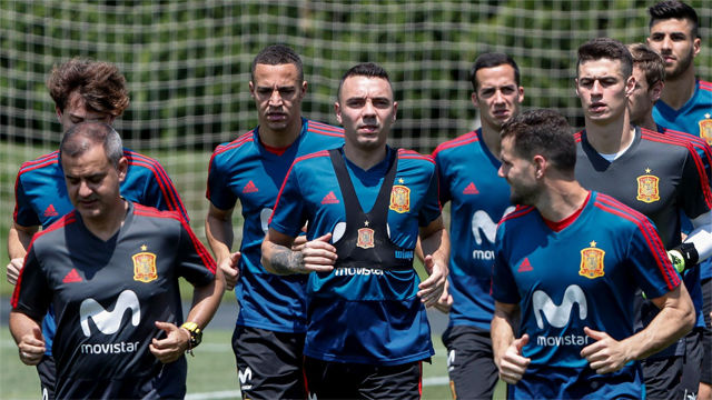 España vuelve a los entrenamientos tras clasificarse para octavos