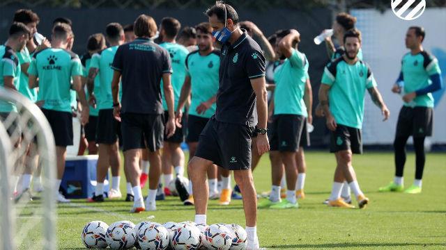 El Espanyol vuelve a los entrenamiento tras su victoria ante el Oviedo