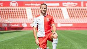 Franquesa fue presentado como nuevo jugador del Girona