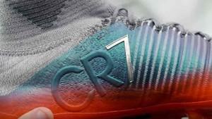 Las nuevas botas de Cristiano Ronaldo tienen un mensaje