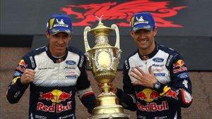 Ogier y su copiloto Ingrassia, campeones en Gales