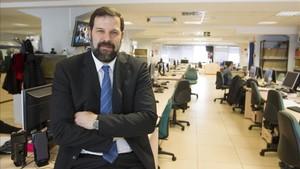 El presidente de la ABP, Alfonso Reyes, en una visita al diario Sport