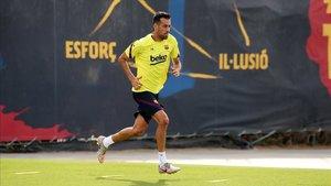 Sergio Busquets, en un entrenamiento con el Barça