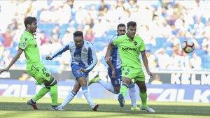 Sergio García anotó el gol de la victoria del Espanyol ante el Leavnte en la primera vuelta.