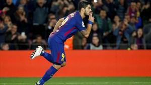 Suárez celebra el 1-1