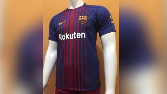 Fotografías reales de las tres equipaciones del Barça 2017 18 52f223744d892