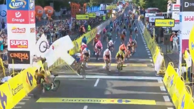 La acción más antideportiva que se recuerda en el mundo del ciclismo