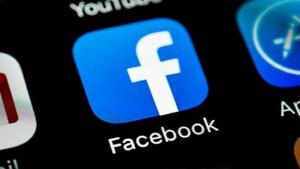 Un bug en iPhone enciende la cámara en la app de Facebook
