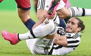 Cáceres se lesionó en el partido que la Juventus disputó contra el Genoa el miércoles