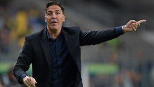 Eduardo Berizzo trata de encontrar el equipo ideal para el inicio de las Eliminatorias