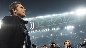 Ernesto Valverde disfrutó desde el banquillo del ambiente del Juventus Stadium