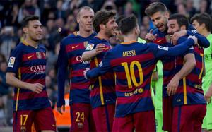 Los jugadores del FC Barcelona celebran uno de sus goles en la temporada 2015/16