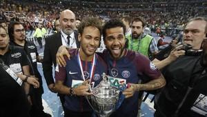 Neymar y Dani Alves juegan juntos en el PSG